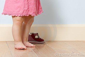 cute-baby-legs-room-17537629